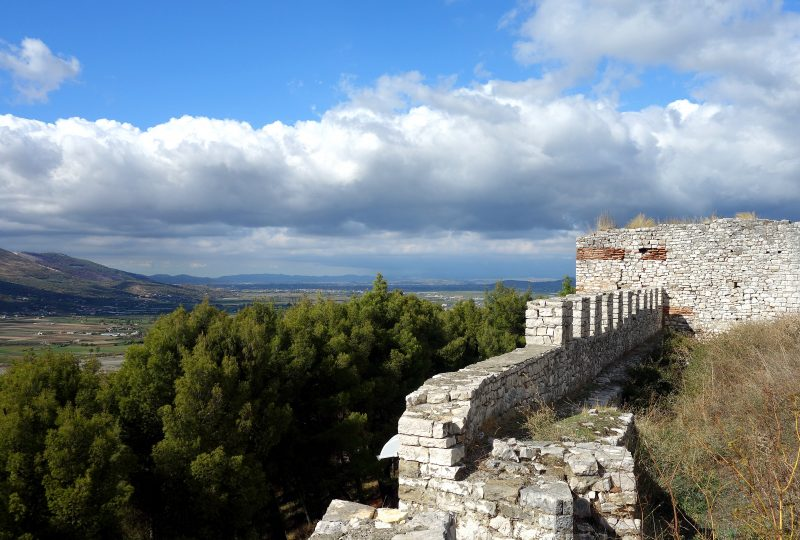 berat albanie chateau rempart ville
