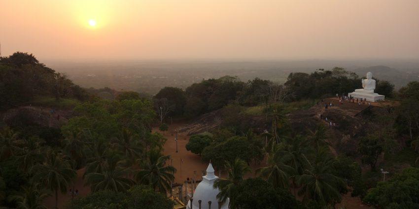 Anuradhapura, bodhi tree, dagoba, coucher de soleil à Mihintale…